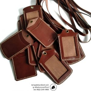 tempat name tag kulit coklat darkbrown